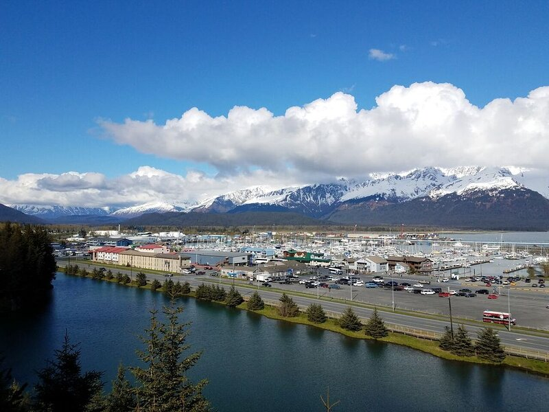 Cliff Top Townhouse - Panoramic Views, vacation rental in Seward