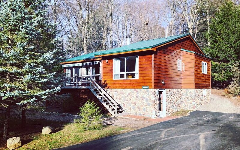 Cozy, Quiet Old Forge Getaway, just Minutes from The Fulton Chain Lakes – semesterbostad i Thendara