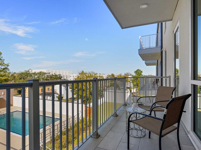 Astonishing 2br Luxurious w/ POOL 416, casa vacanza a Chalmette