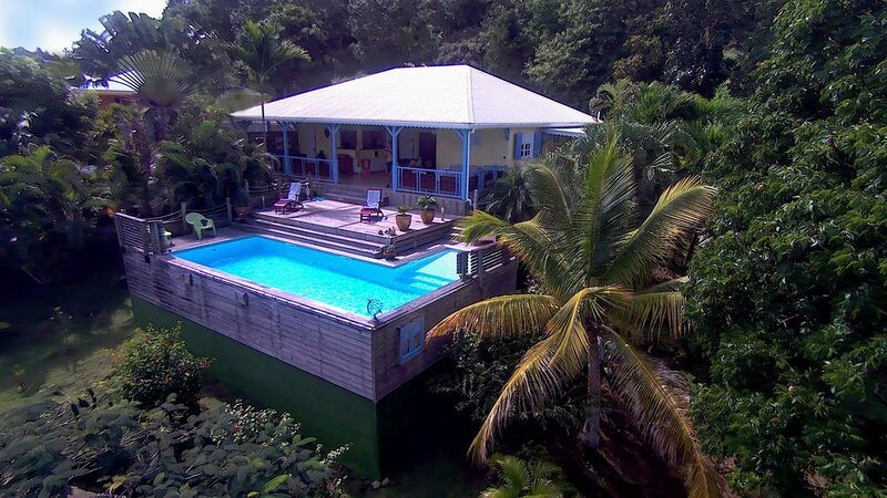 Villa de style creole au calme d'un beau jardin tropical., alquiler de vacaciones en Le Vauclin