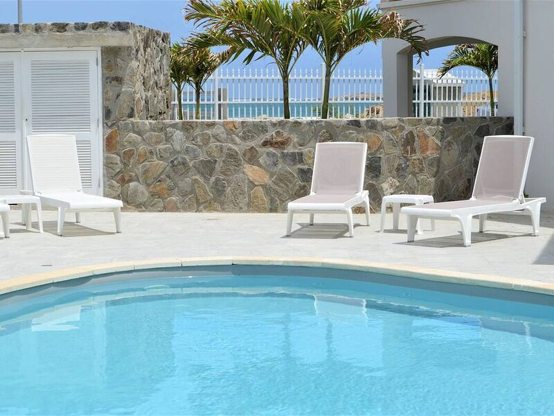 Princess Anaelle · Beachfront, Lage Pool, Privacy, Orient Bay, Deluxe 2 BDR, holiday rental in Orient Bay