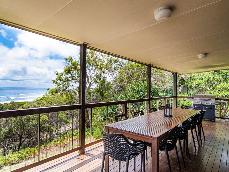 Beach Buoys - Point Lookout, QLD, holiday rental in Redland City