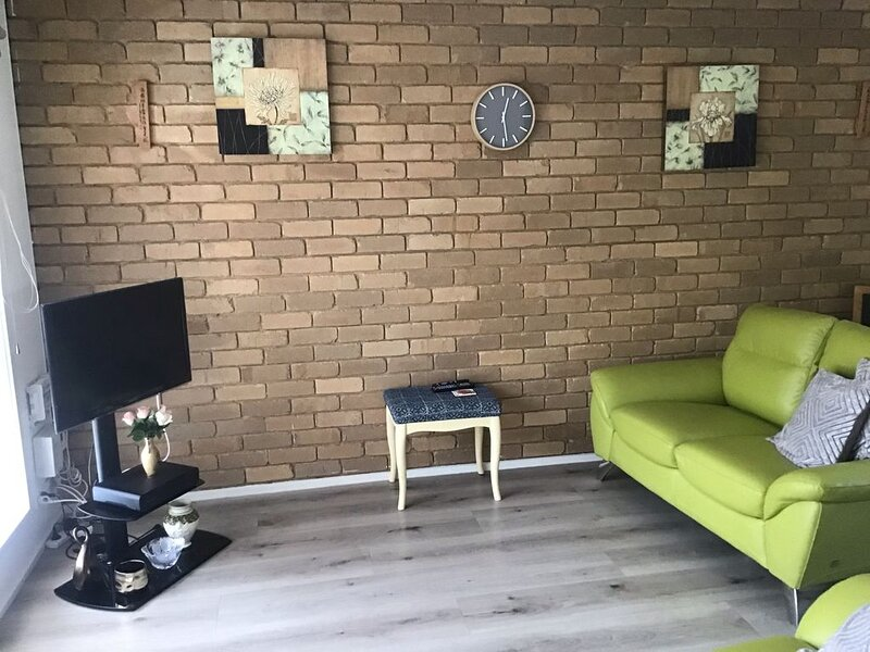 Walk everywhere! Centrally located!, holiday rental in Gisborne