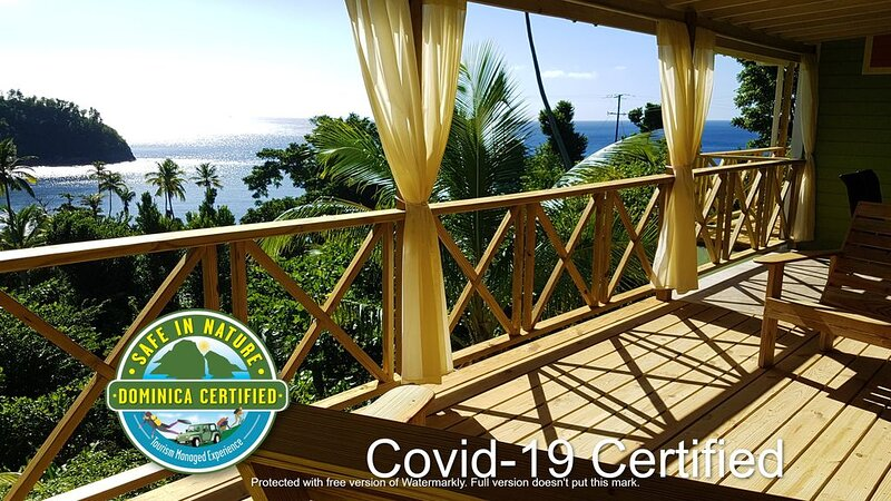Gorgeous timber cottage, Large garden, Short walk to the beach, Ocean view, holiday rental in Dominica