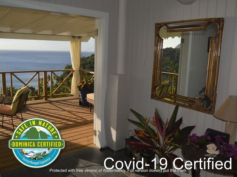 Beautiful Timber Cottage, Stunning Ocean View, Short Walk to the Beach, holiday rental in Dominica