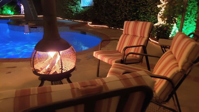 Sparkling Clean Private Poolside Guest House - Santa Clarita, holiday rental in Simi Valley