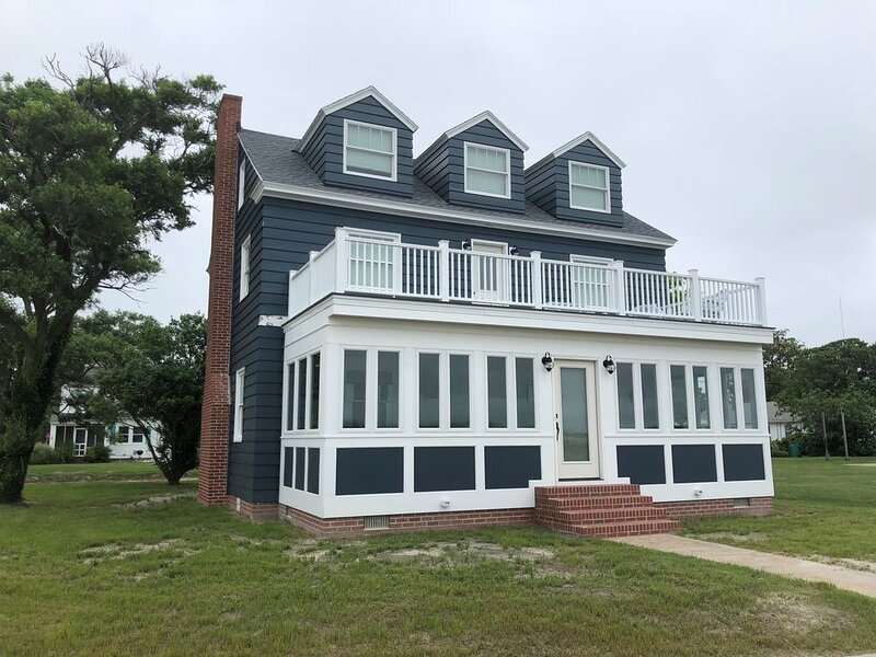 Our closest property to Cape Charles Beach! Just steps away! – semesterbostad i Cape Charles
