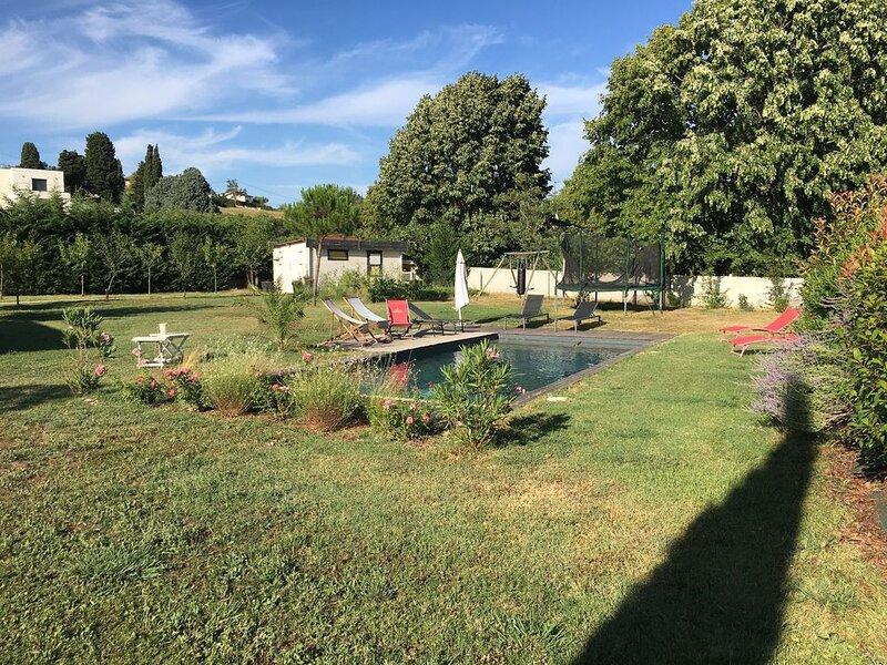 Maison Contemporaine avec Piscine près de Toulouse, casa vacanza a Paulhac