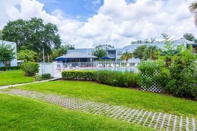 GATED COUNTRY CLUB CONDOMINIUM, holiday rental in Southport