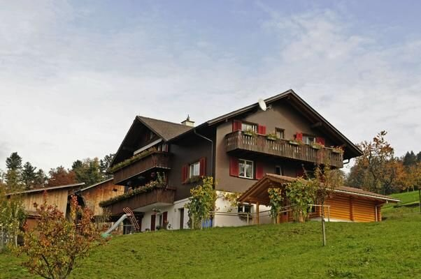 Ferienwohnung Steinen für 1 - 5 Personen mit 1 Schlafzimmer - Bauernhaus, holiday rental in Alpthal