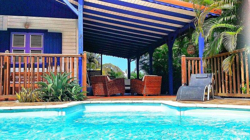 Villa Deshaies. 3 chambres. Piscine. Clim. 300 m de la mer., vacation rental in Rifflet