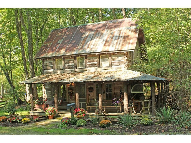 Step back in time at the Antique Cabin!, holiday rental in Morgantown