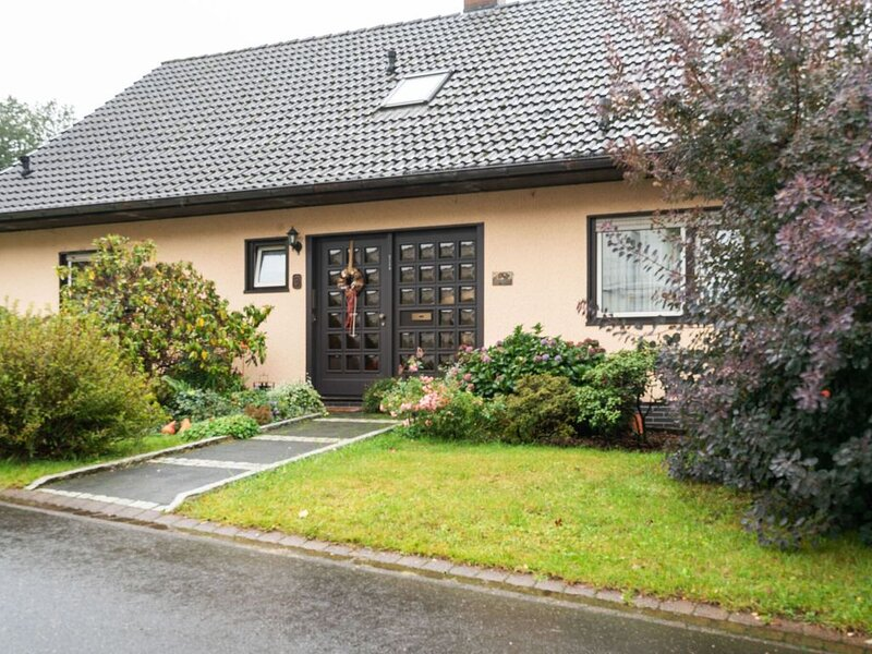 Pleasant Holiday Home in Kyllburg with Garden, holiday rental in Bitburg