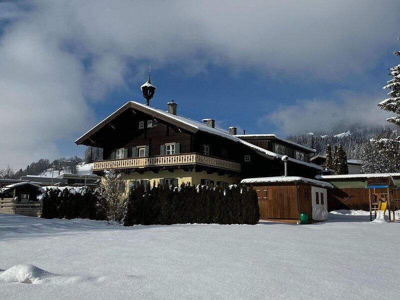 Luxurious Holiday Home in Mittersill with Sauna, holiday rental in Kohlbichl