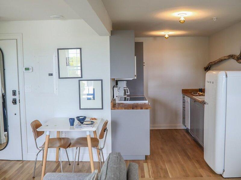 Great Island Inn - King Studio Apartment  - Garden View, alquiler de vacaciones en Lee