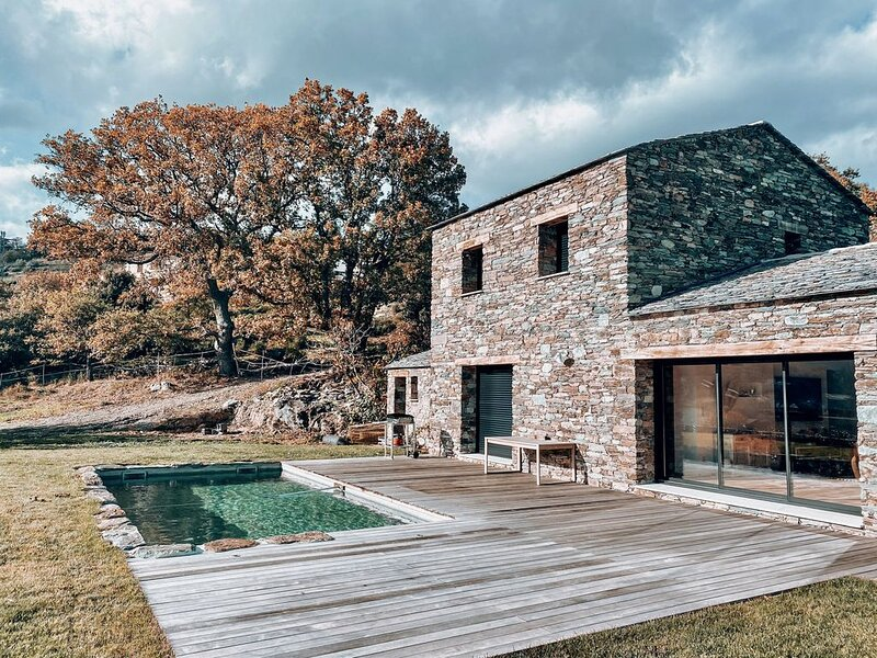 Demeure Corse en pierre avec piscine chauffée près de Saint Florent, location de vacances à Castello-di-Rostino
