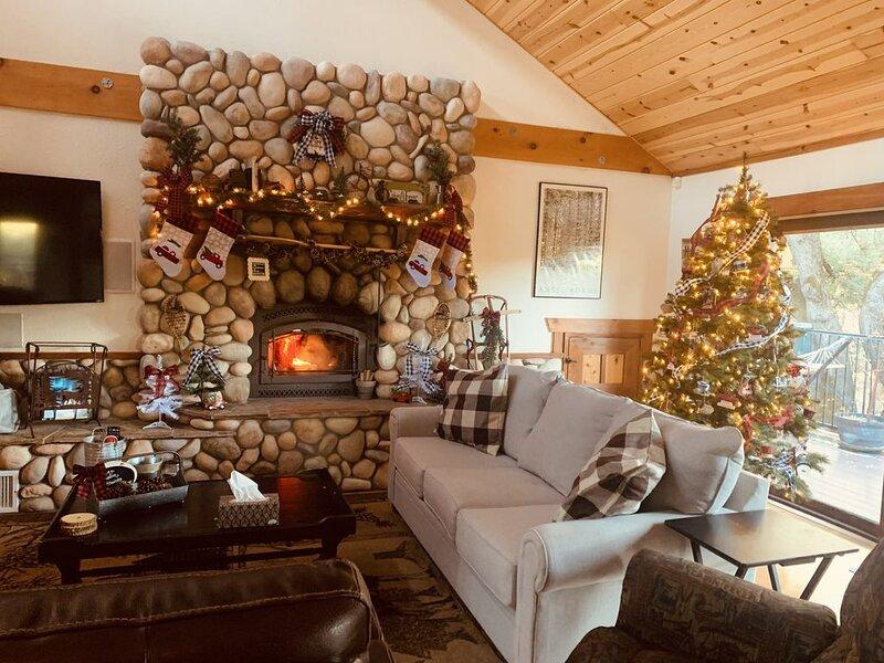 Yosemite / Bass Lake cabin/  Winter wonderland, alquiler de vacaciones en Ahwahnee
