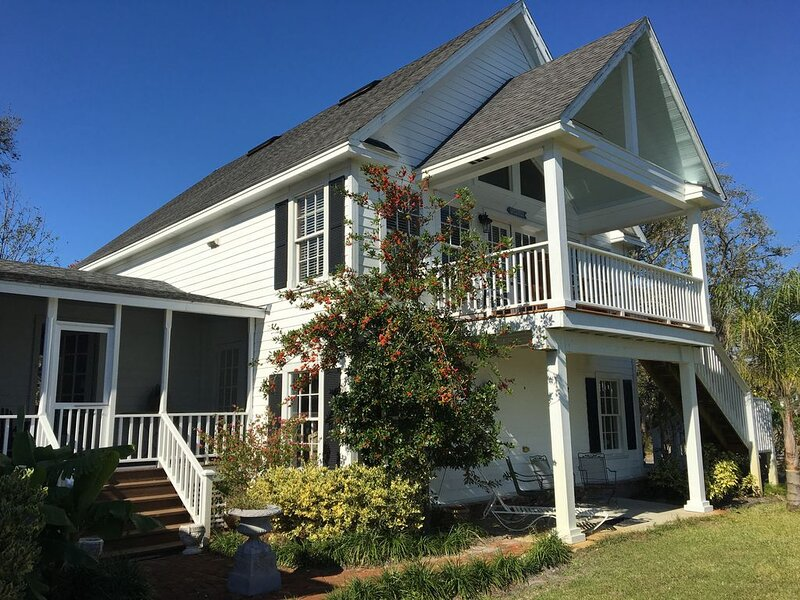 AMAZING PROPERTY WITH MARSH AND RIVER VIEW BEAUTIFUL SUNRISES TRANQUIL PEACEFUL, holiday rental in St. Marys