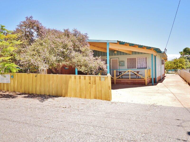 Deja Vu Unit 2 - Kalbarri, WA, vacation rental in Kalbarri