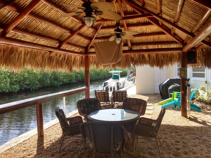 Paradise Place with Boats, Kayaks, Canoes, and Bicycles, vacation rental in Key Largo