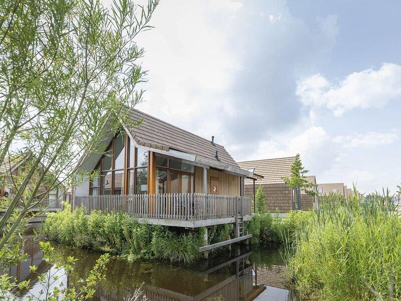 Komfort 6-Personen-Wasserhaus im Ferienpark Landal De Reeuwijkse Plassen – semesterbostad i Aarlanderveen