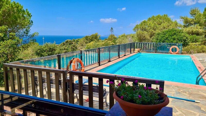 Spettacolare Vista Mare con piscina indipendente per 6 persone, casa vacanza a Villanova Monteleone