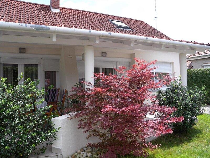 Ferienhaus Terasszal, vacation rental in Balatonfenyves