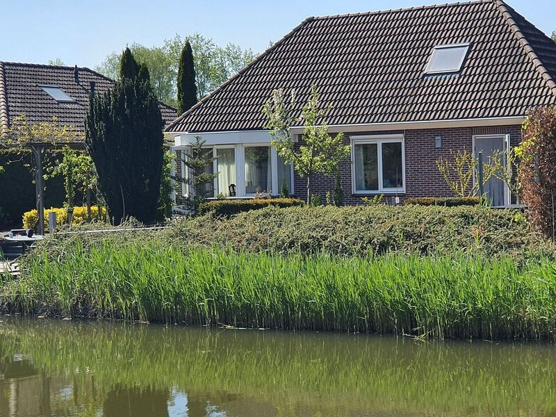 Boutique Holiday Home in Zeewolde with Swimming Pool, vacation rental in Spakenburg