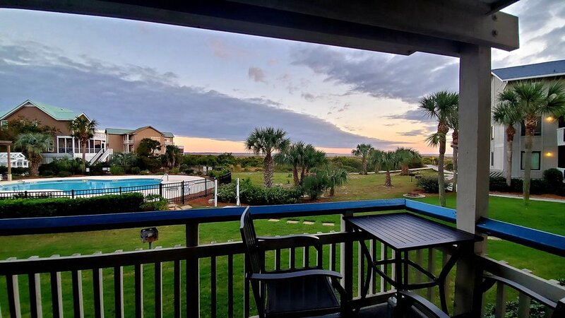 COMPLETELY REMODELED Oceanview on Harbor Island SC, holiday rental in Harbor Island