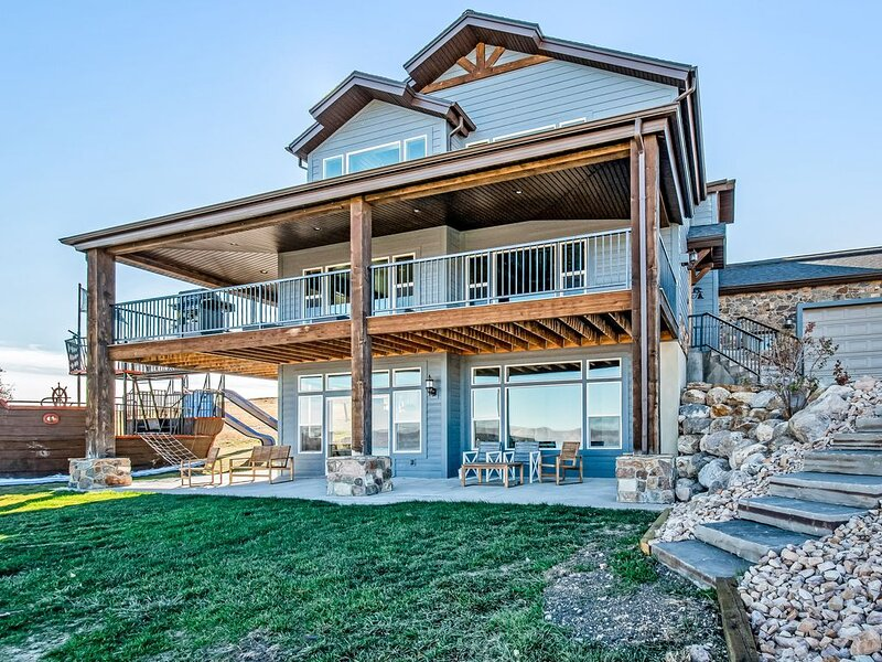 Spacious Bear Lake home w/ access to a shared pool, hot tub, gym & pirate ship?!, holiday rental in Fish Haven