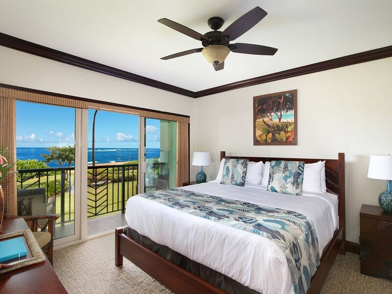 ***BEACH Front Bliss*** 3 beds PRIME LOCATION x3 & FAST Wifi, Ferienwohnung in Kapaa