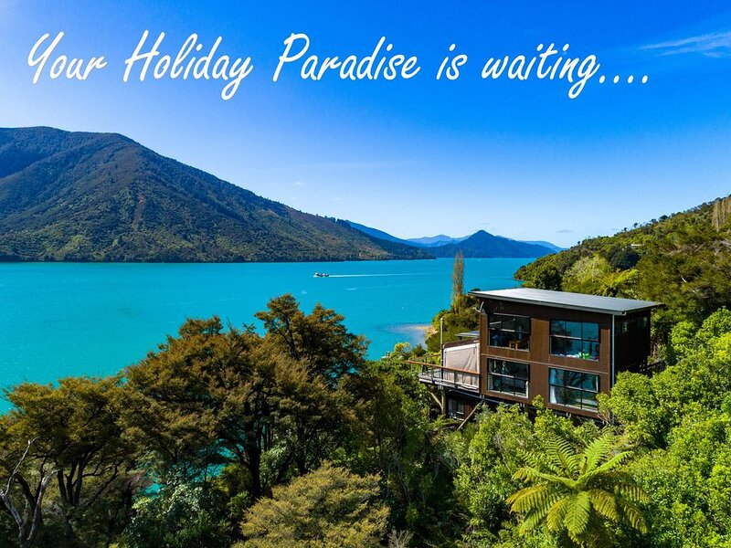 �Holiday Paradise�Drive to your secluded getaway. Private beach, jetty & spa�, location de vacances à Marlborough Region