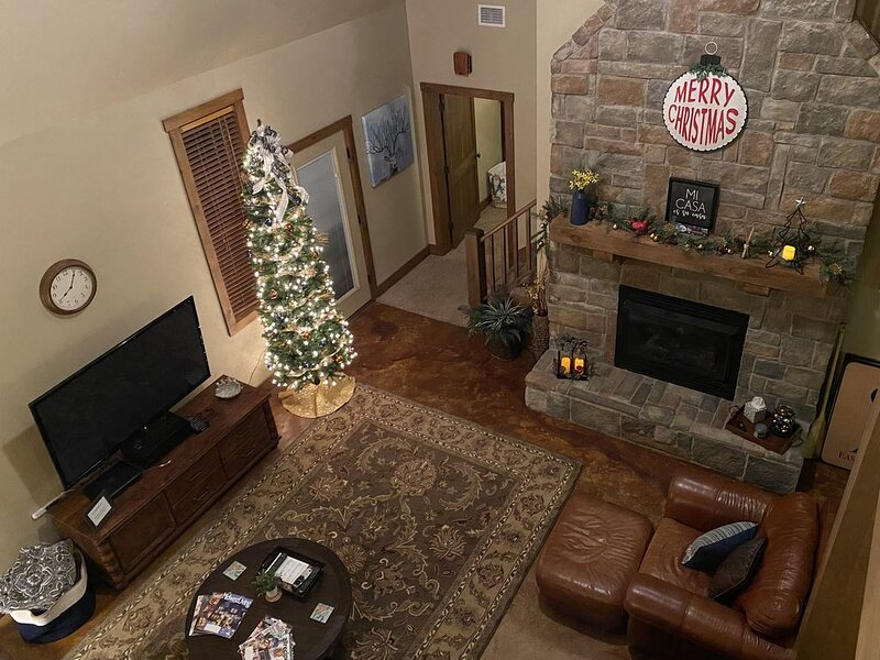 Family-friendly home decked out and ready for a Christmas stay., holiday rental in Kingston