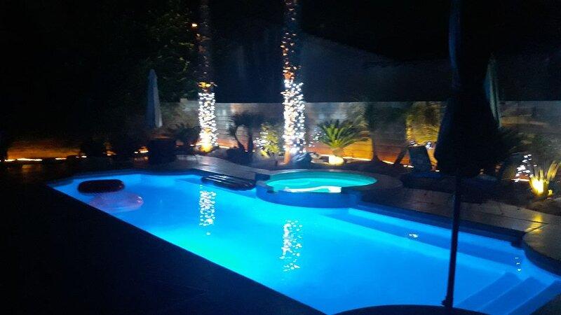 Full Home with Private Pool Close to Festivals, alquiler de vacaciones en Indio