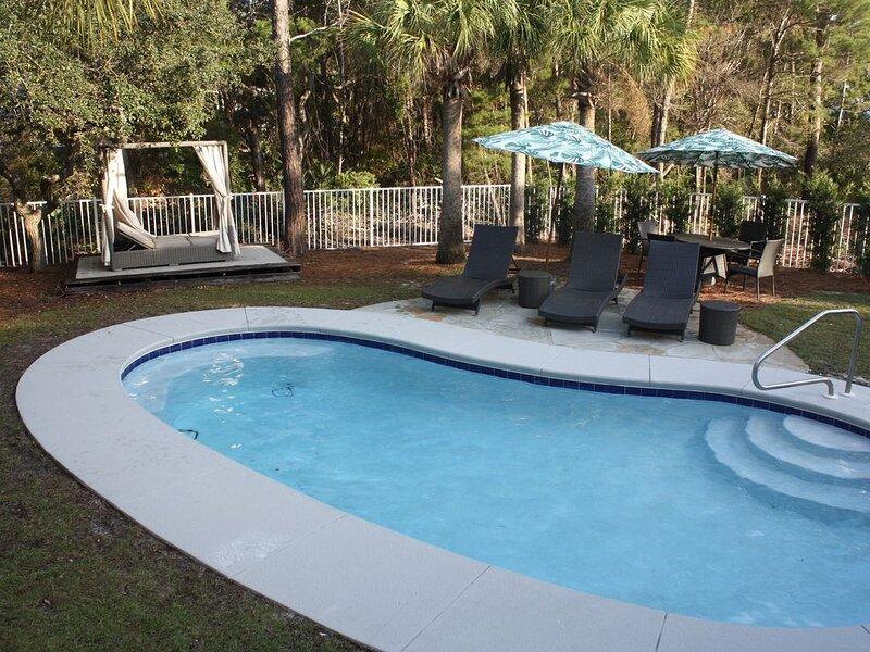 3 bed/2 bath / Seacrest / private pool - Sleeps 11 - 5 min walk to the Beach, casa vacanza a Alys Beach