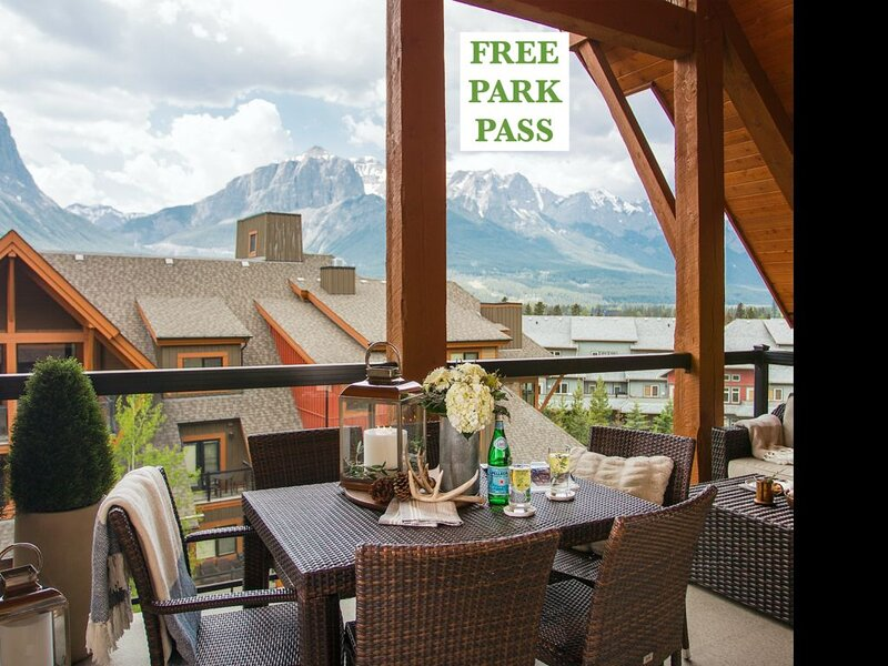 5 Star Luxury Penthouse, Amazing Mountain Views Self Contained, aluguéis de temporada em Canmore