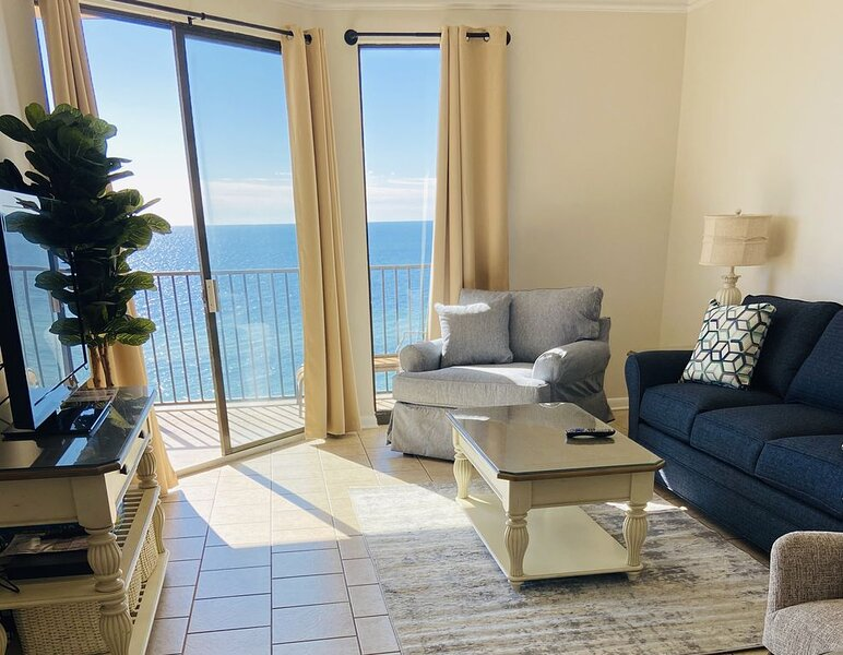 Winter/Snowbird rates now available/ Direct Gulf Front/ New coastal remodel!!, vacation rental in Orange Beach