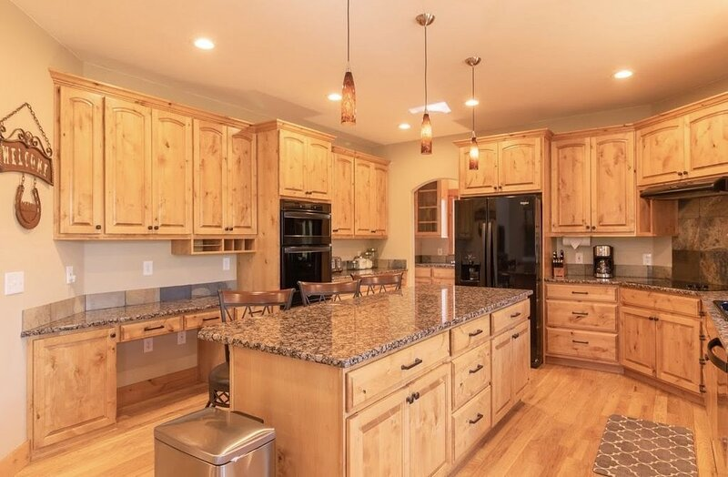 Luxurious Home located in Estes Park with Mountain Views #3201, vacation rental in Estes Park