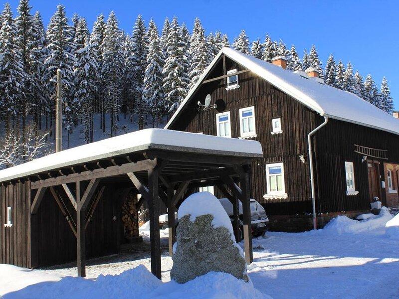 Ferienhaus Klingenthal für 1 - 12 Personen mit 6 Schlafzimmern - Ferienhaus, aluguéis de temporada em Stuetzengruen
