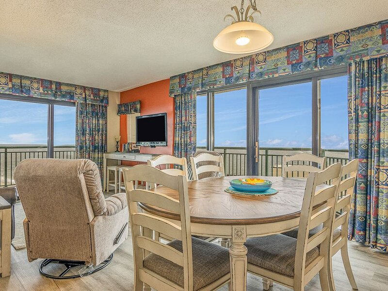 *SPECIAL* BOOK 3 NIGHTS & GET 4TH NIGHT FREE!!  OCEAN VIEW w/WRAP BALCONY! – semesterbostad i Myrtle Beach