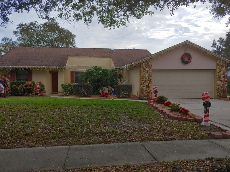 1 mile to UCF;  30 min to Disney; 1 bedroom 1 bath apt; private entrance., holiday rental in Chuluota