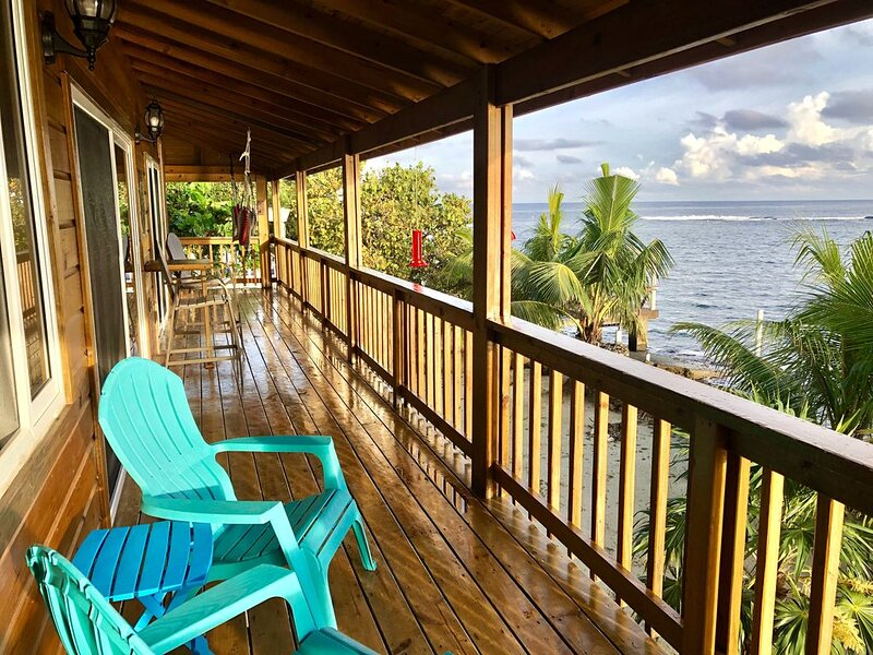 Brand new oceanfront home with breathtaking views and worldclass reef, holiday rental in Sandy Bay
