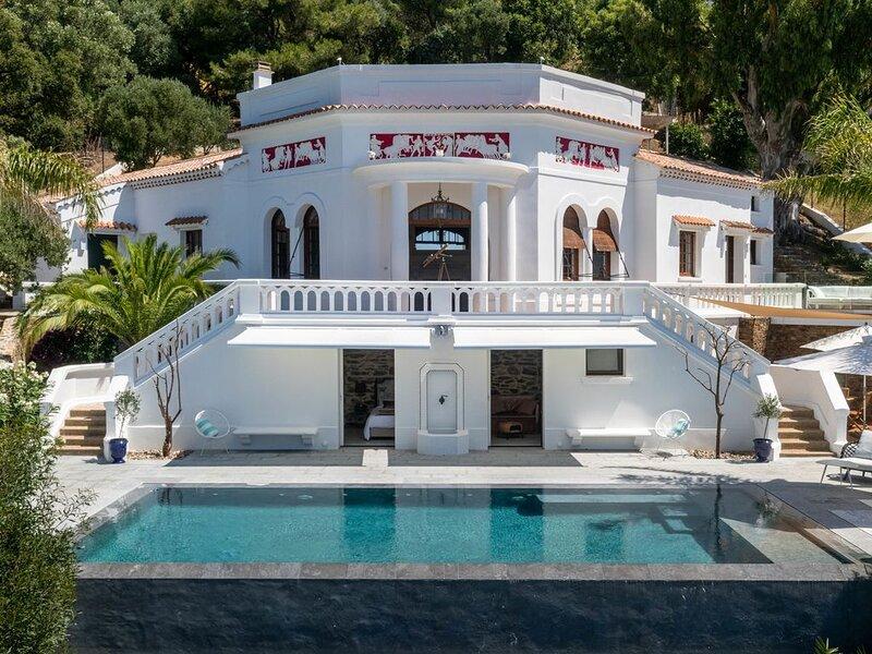 Villa Exceptionnelle, Vue Mer Fabuleuse, Piscine Miroir, Plages Commerces à pied, casa vacanza a Rayol-Canadel-sur-Mer