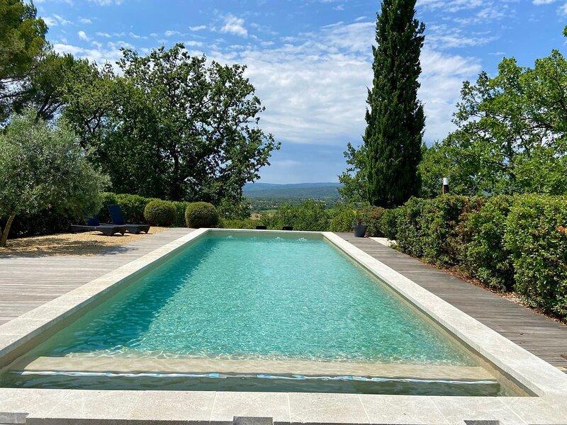 LUBERON: Très joli Gîte au coeur d'un domaine viticole en Provence !, Ferienwohnung in Saint-Saturnin-les-Apt