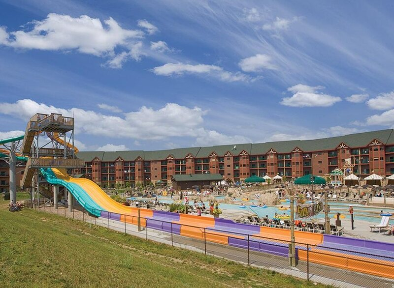 Wyndham Glacier Canyon 2 Bedroom Dlx-8 FREE All Access Water Park Passes Incl., holiday rental in Merrimac