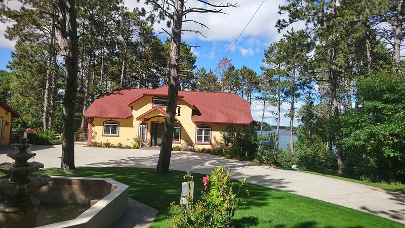 Beautiful house on the lake., location de vacances à Park Rapids