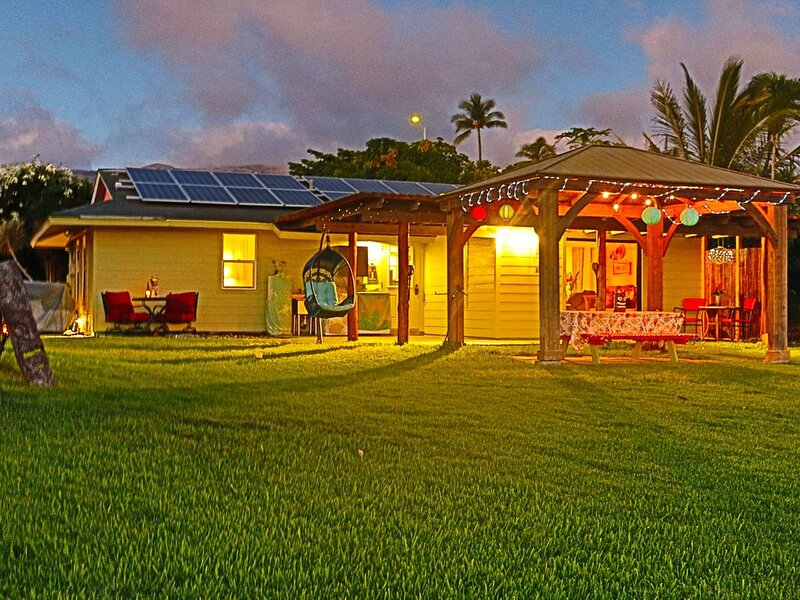 Great value for this well-equipped 3-bedroom, 1-bath ocean view home, vacation rental in Hawi