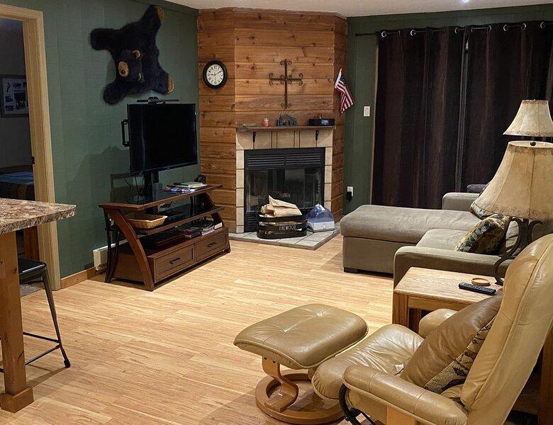Slopeside 2 Bedroom/2 Bath-Great Value, holiday rental in Rico