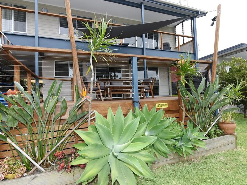 Aqua Vincentia - Aqua Vincentia Holiday Unit has an inviting deck to enjoy baski – semesterbostad i Hyams Beach