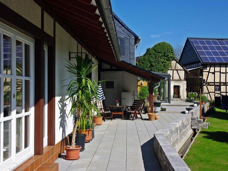 Ferienwohnung Unzenberg für 1 - 4 Personen mit 1 Schlafzimmer - Ferienwohnung, vacation rental in Buechenbeuren